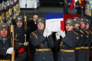 [Video] Thi thể Đại sứ Nga Andrey Karlov được đưa trở về Moskva