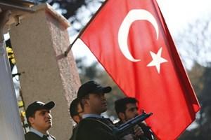 Thổ Nhĩ Kỳ tiếp tục sa thải hàng nghìn người liên quan 'khủng bố'