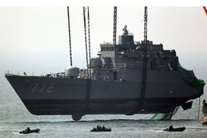 Triều Tiên kêu gọi Hàn Quốc điều tra lại vụ chìm tàu Cheonan