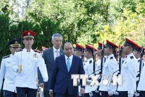 [Photo] Lễ đón chính thức Thủ tướng Nguyễn Xuân Phúc thăm Singapore