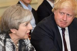 Ngoại trưởng Anh công kích kế hoạch liên minh thuế quan của bà May