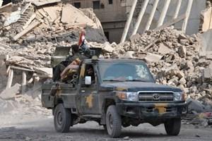 Phiến quân IS chiếm lại nhiều khu vực ở thị trấn miền Đông Syria