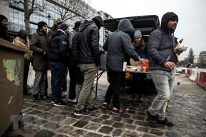 Những người giúp đỡ người di cư sẽ không bị xử phạt tại Pháp