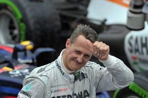 """Các bác sĩ đang nỗ lực """"đánh thức"""" Michael Schumacher"""