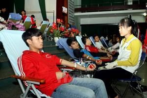 Tăng tỷ lệ hiến máu tình nguyện đạt 1,2 triệu đơn vị trong năm 2016