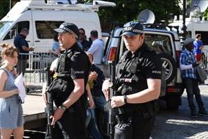 Cảnh sát Anh bắt giữ 6 nghi phạm âm mưu tấn công khủng bố