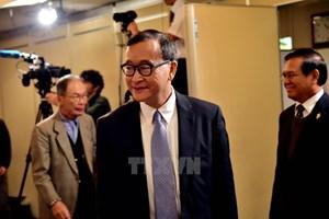 Chính phủ Campuchia bãi bỏ lệnh cấm thủ lĩnh phe đối lập trở về nước