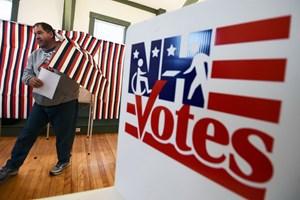 Cần bao nhiêu tiền để thao túng các cuộc bầu cử bằng tin tức giả?