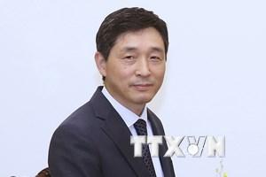 Trao Kỷ niệm chương tặng Đại sứ Hàn Quốc tại Việt Nam Lee Hyuk