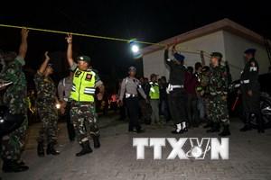 Cận cảnh hiện trường vụ nổ bom ở tỉnh Đông Java của Indonesia