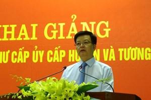 Khai giảng Lớp bồi dưỡng phó bí thư cấp ủy cấp huyện và tương đương