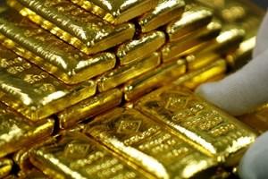 Giá vàng thế giới giao dịch gần mức thấp nhất của sáu tháng