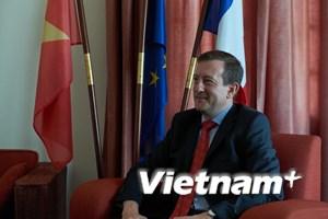 Đại sứ Pháp ngưỡng mộ tài năng của các cầu thủ U23 Việt Nam