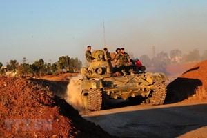 Quân đội Syria tiến vào Daraa, thượng cờ ở quảng trường chính