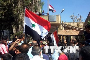 Quân đội Syria oanh kích miền Nam, hàng chục người thương vong