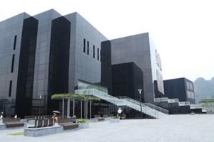 Thư viện-bảo tàng Quảng Ninh là công trình kiến trúc của 2013