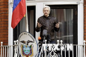 Anh bác yêu cầu về quy chế ngoại giao cho nhà sáng lập WikiLeaks