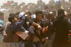 [Video] 13 nhà báo bị thương khi đưa tin về bạo lực tại dải Gaza