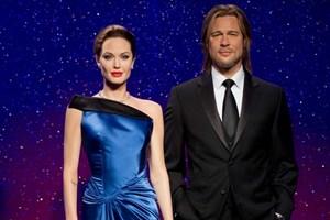 Madame Tussauds tách đôi tượng sáp Brad Pitt và Angelina Jolie