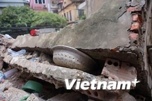 Hai nạn nhân đã tử vong trong vụ sập nhà tại phố Cửa Bắc