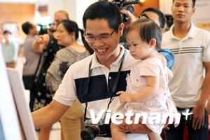 """Ấn tượng với triển lãm ảnh """"Những ông bố Việt Nam"""""""