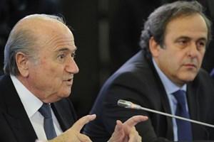 Blatter và Platini có thể bị cấm hoạt động bóng đá trong 6 năm