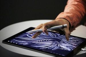 Apple sẽ ra iPad mới và iPhone 7 màu đỏ trong vài tuần tới?