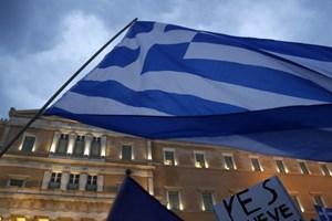 """Quỹ Tiền tệ Quốc tế thông qua gói cứu trợ """"treo"""" cho Hy Lạp"""