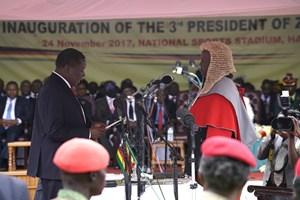 Zimbabwe: Ông Mnangagwa tuyên thệ nhậm chức tổng thống
