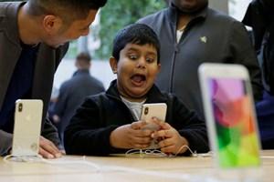 Cổ đông kêu gọi Apple ra ứng dụng hạn chế trẻ em dùng iPhone