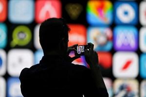 Lo doanh số iPhone giảm, Apple giảm 20% đặt hàng linh kiện iPhone mới