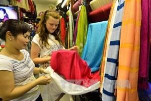 Cửa hàng Khaisilk 113 Hàng Gai: Không nợ thuế và nộp thuế đúng hạn