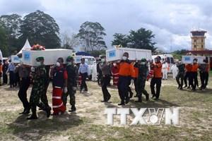 Tìm thấy thêm một số thi thể trong vụ máy bay AirAsia gặp nạn