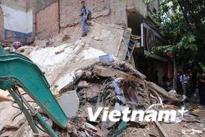 [Video] Toàn cảnh vụ sập nhà 3 tầng ở phố Cửa Bắc