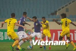 Quán quân V-League đè bẹp đội bóng Singapore bốn bàn không gỡ