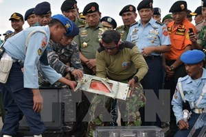 """Indonesia: Tai nạn máy bay QZ8501 """"không phải do khủng bố"""""""