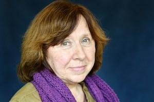 Nhà văn Belarus Alexievich giành giải Nobel Văn học