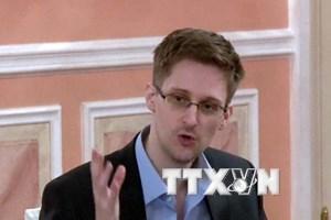 """""""Mở cửa"""" bộ dữ liệu mật của Edward Snowden cho báo giới"""