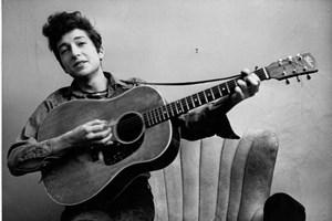 Nhạc sỹ gạo cội Bob Dylan giành giải Nobel Văn học năm 2016
