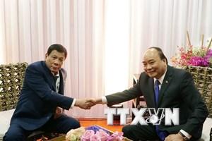 Thủ tướng Nguyễn Xuân Phúc gặp gỡ Tổng thống Philippines