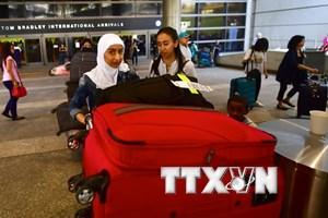 Nhiều người gốc Á ở Mỹ tìm cách nhập tịch vì sợ bị trục xuất