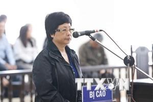 Bị cáo Châu Thị Thu Nga giải trình về nguồn đầu tư dự án B5 Cầu Diễn