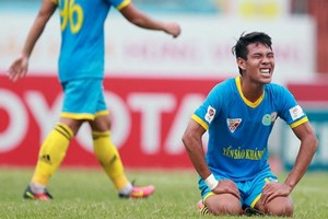 V-League 2018: Quảng Nam FC và Sana Khánh Hòa BVN hòa 0-0