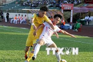 Tổng hợp vòng 7 V-League 2018: Trọng tài gây tranh cãi