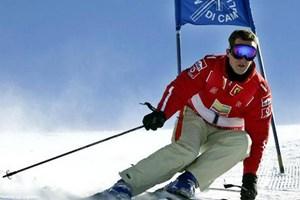 Michael Schumacher vẫn nguy kịch