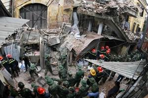 Báo cáo nhanh về khắc phục sự cố sập nhà số 107 Trần Hưng Đạo