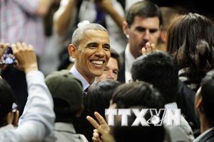"""[Photo] Ông Obama giản dị khi giao lưu với các """"thủ lĩnh trẻ"""""""