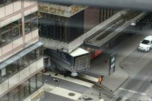 """Phát hiện thiết bị khả nghi trong chiếc xe tải """"tử thần"""" ở Stockholm"""