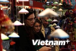 Giới thiệu hàng thủ công mỹ nghệ Việt Nam tại Hội chợ quốc tế ở Italy