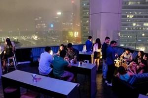 Quán bar ở Singapore chào gói tiệc đón Năm mới giá 1 bitcoin